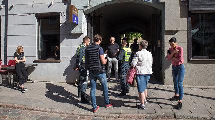 """Sujudimas prie """"Grill London"""" Kaune: prasidėjusias kamino statybas sustabdė policija"""