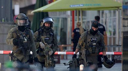 Policija neatmeta, kad įkaitę Kelno stotyje paėmęs asmuo turėjo teroristinių motyvų