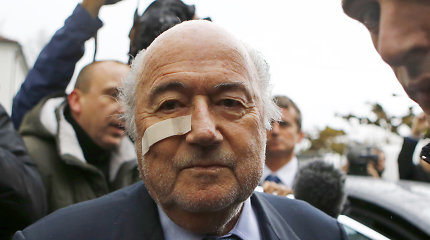 Seppas Blatteris nieko nepešė: CAS paliko galioti šešerių metų bausmę