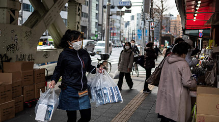Japonija ruošiasi pratęsti dėl COVID-19 įvestą nepaprastąją padėtį Tokijo rajone