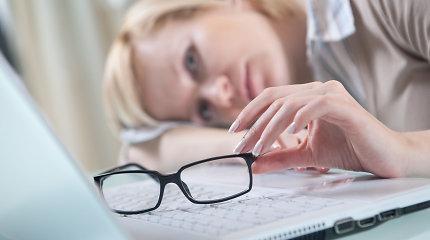 Akušeris ginekologas patarė, kaip slopinti varginančius menopauzės simptomus