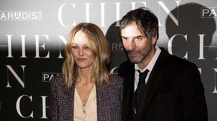 Vanesa Paradis ištekėjo už prancūzų režisieriaus Samuelio Benchetrito