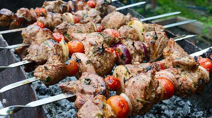Nekantraujantiems pradėti grilio sezoną – keli eksperto patarimai apie šašlykus