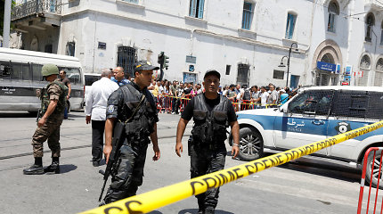 Atsakomybę už dvigubą mirtininkų sprogdintojų išpuolį Tunise prisiėmė IS