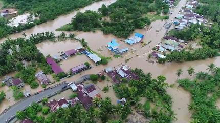 Indonezijoje potvynių aukų padaugėjo iki 29, dar dešimčių tebeieškoma