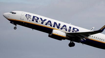Dėl raštelio tualete iš Krokuvos į Dubliną skridęs lėktuvas avariniu būdu nusileido Londone
