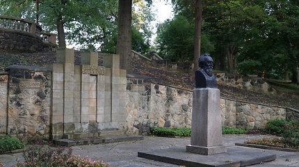 Klivlando lietuviai gina Lietuvos istoriją ir nuo išpuolių iš Rytų ir Vakarų