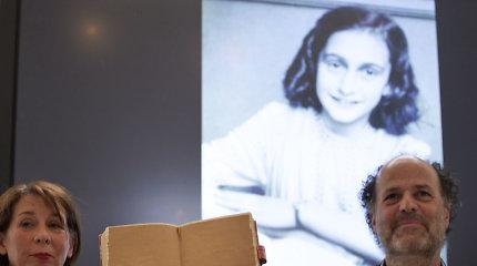 Olandų tyrėjai perskaitė Anne Frank dienoraščio du uždengtus puslapius
