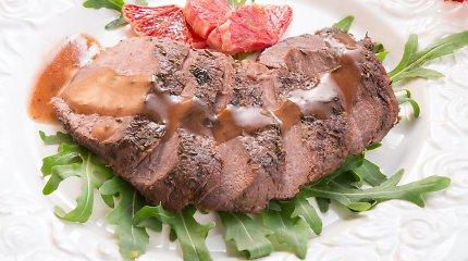 Gurmaniškiems pietums – kepta anties krūtinėlė su vyšniomis pagardintomis salotomis