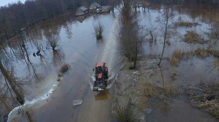 Vandens lygis Rusnėje krenta