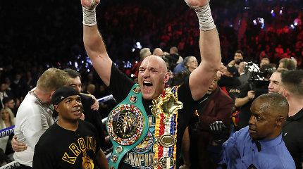 Čempionas krito: naikinantį pasirodymą surengęs T.Fury patiesė D.Wilderį