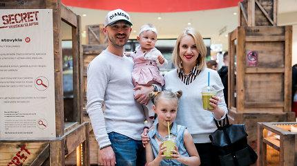 Donatas ir Dainė Baumilos pirmą kartą viešumoje pasirodė su devynių mėnesių dukra