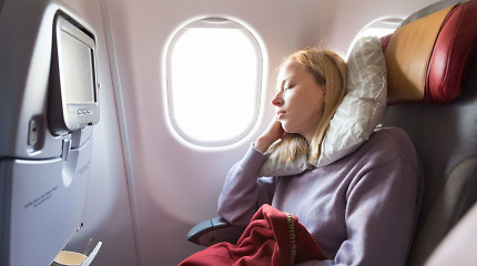 Kodėl žmonės skrydžių metu yra tokie mieguisti? Netikėkite kvailu mitu