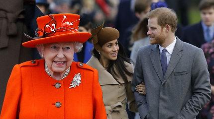 Paaiškėjo, ką Meghan Markle padovanojo karalienei per Kalėdas: Elizabeth II prapliupo juokais