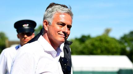 Atsisakė kosminių pinigų – Jose Mourinho nesibrauna į Kiniją