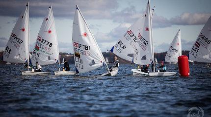 """Finišavo tarptautinė """"Rudens vėjo"""" regata: daugiausia medalių susišlavė svečiai iš Baltarusijos"""