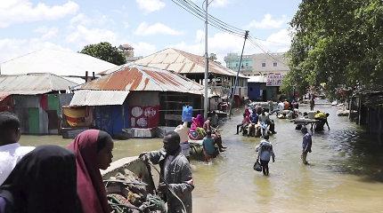 Somalyje dėl smarkių potvynių namus jau paliko dešimtys tūkstančių gyventojų