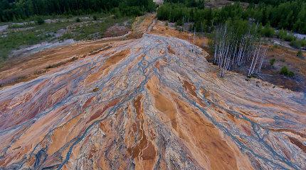 """Rusija pradėjo tyrimą dėl """"oranžinių"""" Uralo upių"""