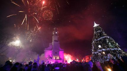 Kaunas ribos patekimą prie Kalėdų eglės ir panoraminių vietų, Vilnius – žada eglę atitverti, atsisako fejerverkų