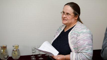 """Seimo """"Kalėdų dovana"""" – antrą kartą pratęsė A.Širinskienės vadovaujamos komisijos veiklą"""