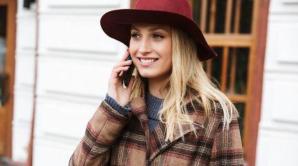 Kokius drabužius ir aksesuarus verta įsigyti per žiemos išpardavimą? Stilistės patarimai