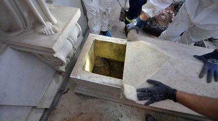 Vatikane ieškant dingusios paauglės atkasti kapai yra tušti