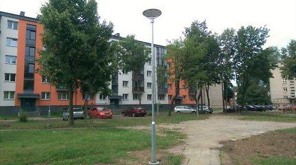 Šviestuvai statomi dar prie 46 Klaipėdos daugiabučių namų