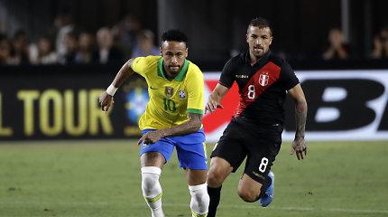 Repeticijos: brazilai pralaimėjo Peru, Ukraina egzaminavo Nigeriją