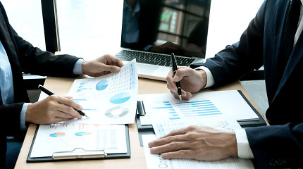 Lietuvoje – pirmųjų lietuviško verslo dinastijų pradžia: prieš 20–30 metų įkurtų įmonių vairą perima įpėdiniai