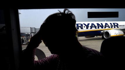 """Į """"Ryanair"""" orlaivį Antrojo pasaulinio karo sprogmenį bandęs įsinešti lietuvis sukėlė paniką"""