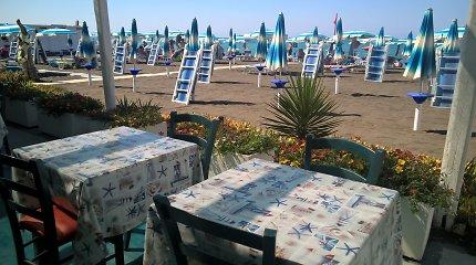 Šiek tiek beprotiškos paplūdimio malonumų kainos Italijoje ir keisti būdai užsidirbti baudą
