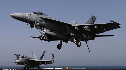 Prie Japonijos krantų susidūrus dviem JAV kariniams lėktuvams žuvo vienas žmogus