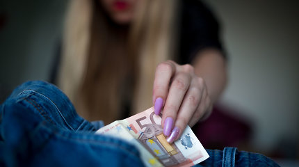 Keli Seimo nariai siūlo sekti Švedija: bausti ne prostitutes, o jų klientus