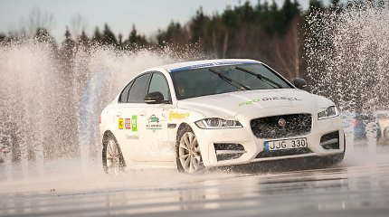 """Tautos automobilio 2017"" rinkimai: ""Jaguar XF"""