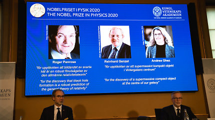Nobelio fizikos premija – už juodųjų skylių tyrimus