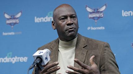 """Geras ne tik aikštėje: M.Jordanas solidžiai uždirbo pardavęs """"Hornets"""" akcijas"""