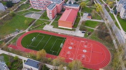 Sostinėje užbaigtas dešimto mokyklos stadiono remontas