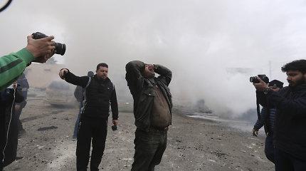 Rusija ir Turkija konfrontuoja Sirijoje, bet draugystės pabaiga nenaudinga nė vienai