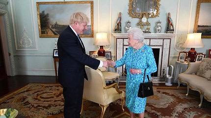 """JK karalienė: """"Brexit"""" spalio 31-ąją yra šalies vyriausybės prioritetas"""