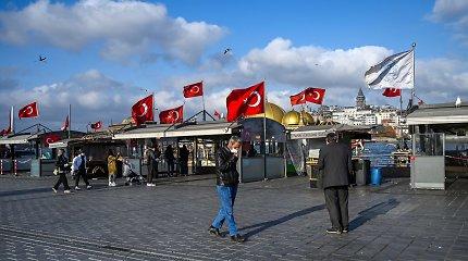 """ES pasirengusi bendradarbiauti su Turkija, jei """"išliks deeskalacija"""""""