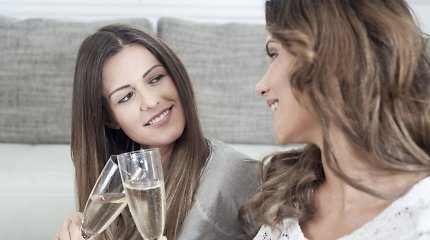 Psichiatrė patvirtina arba paneigia stereotipus apie alkoholį vartojančias moteris: pasitikrinimo testas