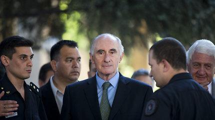 Mirė buvęs Argentinos prezidentas F.de la Rua