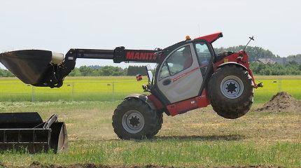 """Dotnuvoje vyksta """"Agrovizija"""": šalies žemdirbiai domisi ūkininkavimo naujovėmis"""