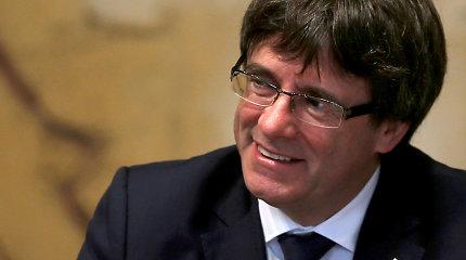 Belgijos policijai pasidavę C.Puigdemont'as ir keturi jo ministrai paleisti su sąlygomis