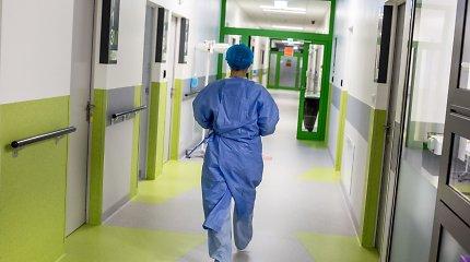 Koronavirusu užsikrėtę medikai iš valstybės gauna centus