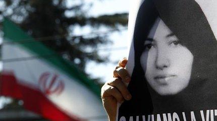 Irano žaidimai su mirti užmėtant akmenimis pasmerkta Sakineh Ashtiani