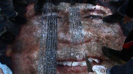 Muamaras Kadhafi įsitikinęs – visi Libijos gyventojai jį myli ir yra pasirengę už jį mirti