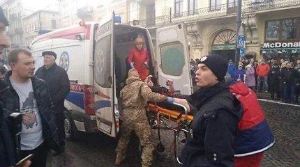 Lvovo centre užsidegė Kalėdų mugės palapinės: nugriaudėjo sprogimai, yra sužeistų