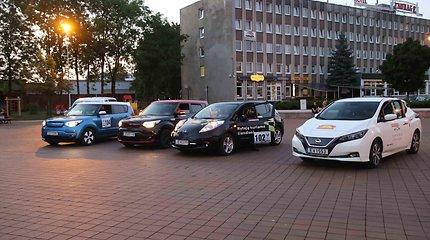 """Ralis """"Aplink Lietuvą"""", elektromobilių slalomas"""