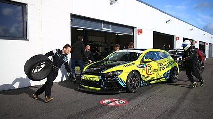 """Neste Dream 2 Drive by Tauras Racing"" finišas ""Baltic Endurance Championship"" 4 valandų lenktynėse Parnu"